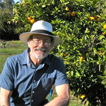 Winter Citrus Tree Care. Guest: Ed Lavio - Four Winds Growers.
